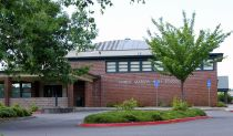 1280px-North_Marion_High_School_-_Aurora_Oregon